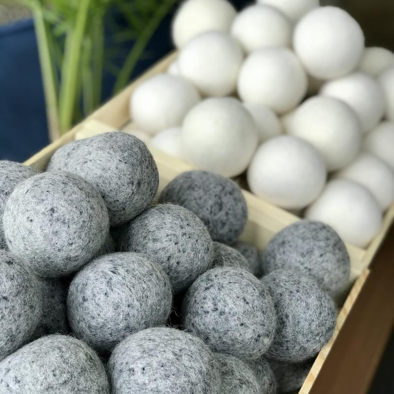 Olsen + Olsen Dryer Balls Grey & White