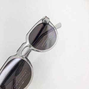 The Arrivals Zonne Clear Round Sunglasses Close Up Lens