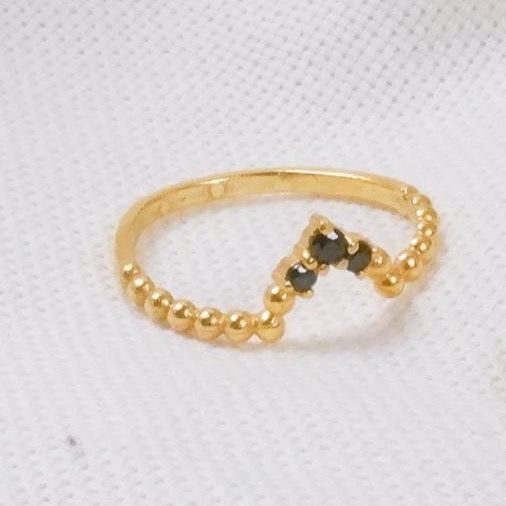 Hanune - Gold 3 Stone Stacker Ring