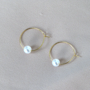 Hunter & Hare Thin Hoops with Pearls Earrings Gold