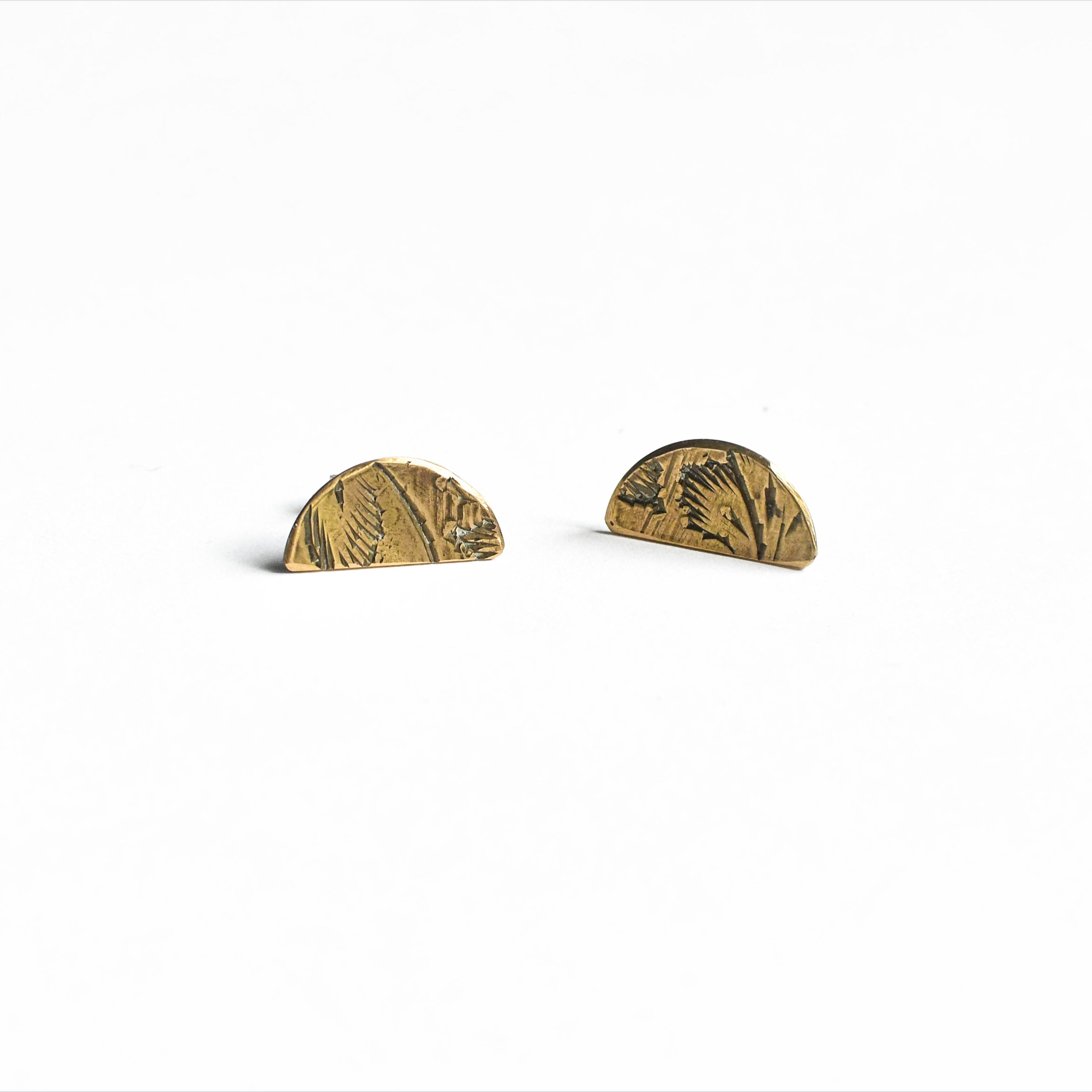 Souvenir Handmade - Half Moon Stud Earrings