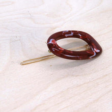Hunter & Hare Marbled Red Colorful Oval Hair Clip