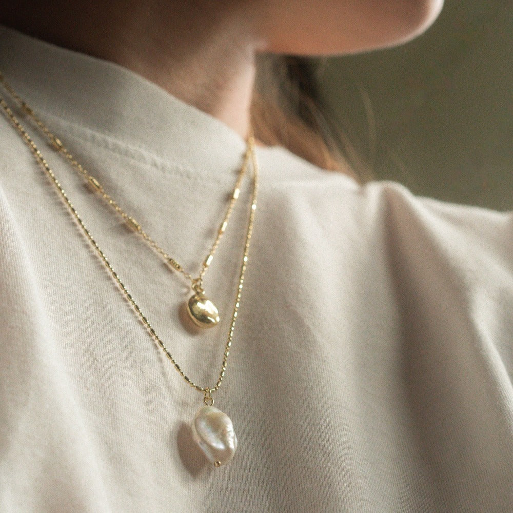 Hunter & Hare Layered Droplet + Pearl Necklace Model