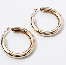 Hunter & Hare Thick Hoop Earrings Gold