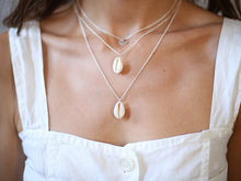 Load image into Gallery viewer, Shell Pendant Necklace // 2 Colors