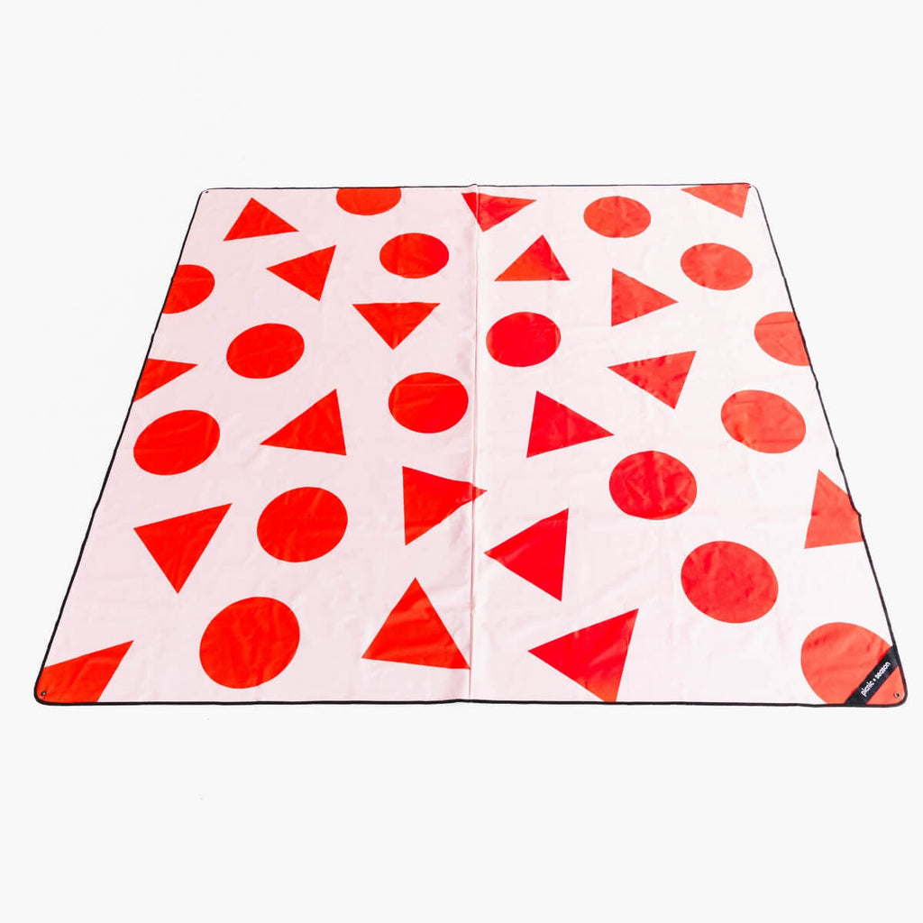 IT'S PICNIC SEASON REALLY BIG PICNIC RUG