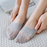 Summer Lace Flower Solid Color Wave Mesh No Show Ankle Invisible Socks - chicstocking