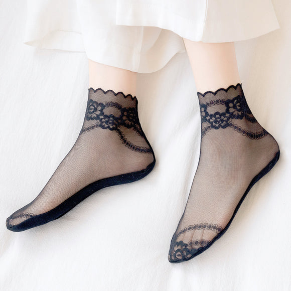Summer Ultra Thin Lace Flower Wave Cute Ankle Socks - chicstocking
