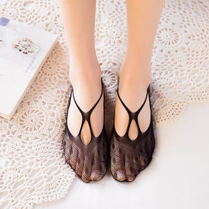 Lace Wave Point Cross Line Women No Show Ankle Invisible Socks - chicstocking