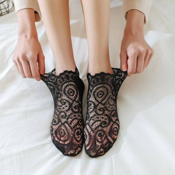 Lace Flower Women Ankle Invisible Socks - chicstocking