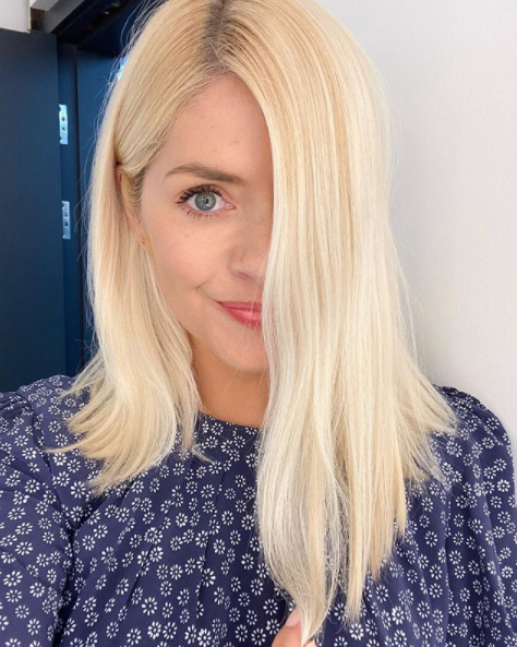How to get Holly Willoughby's long blonde hair with a stunning platinum wig