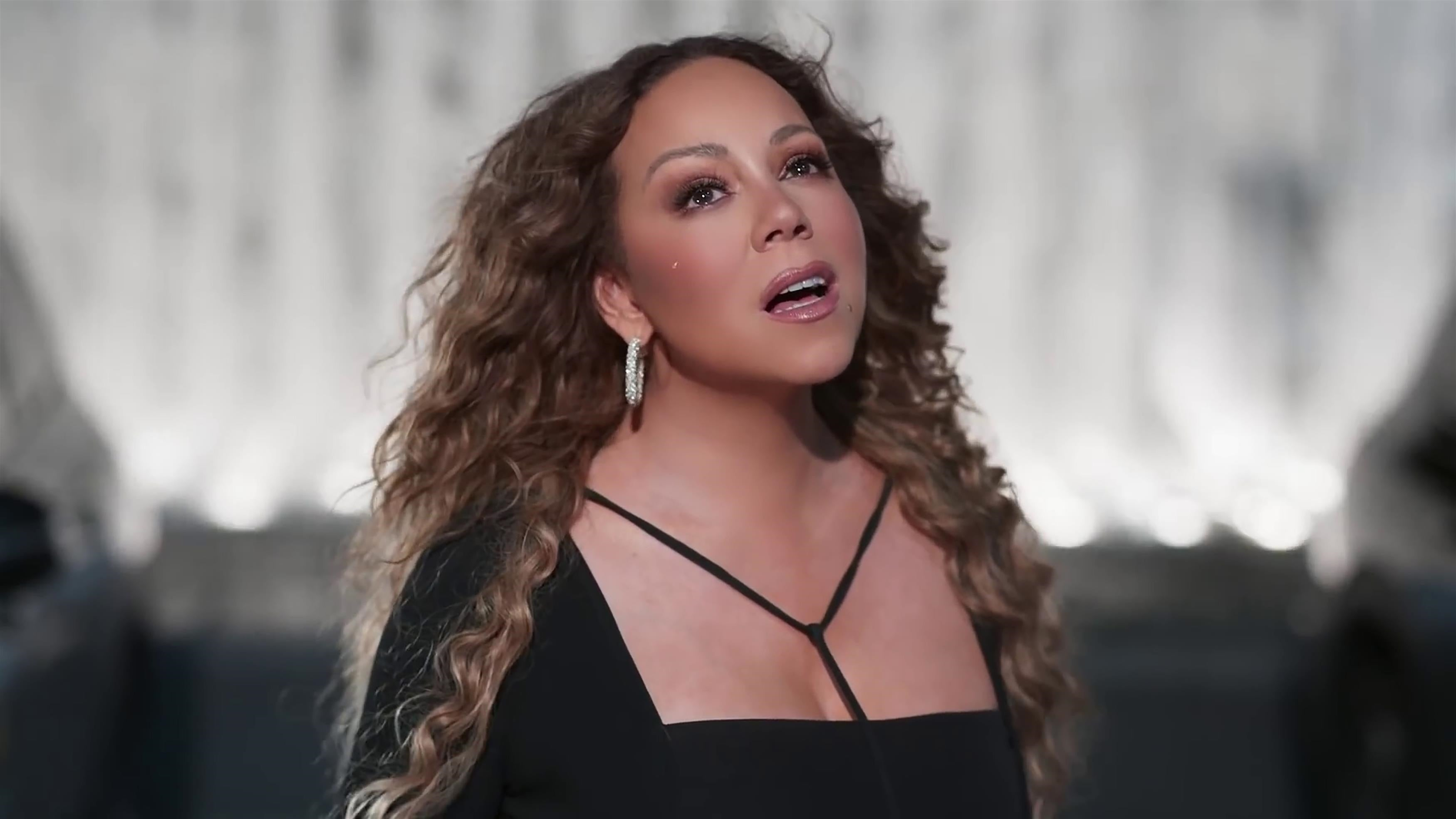 Mariah Carey describes herself as an 'ATM machine with a wig'