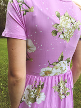 Load image into Gallery viewer, Affordable modest lilac midi dress