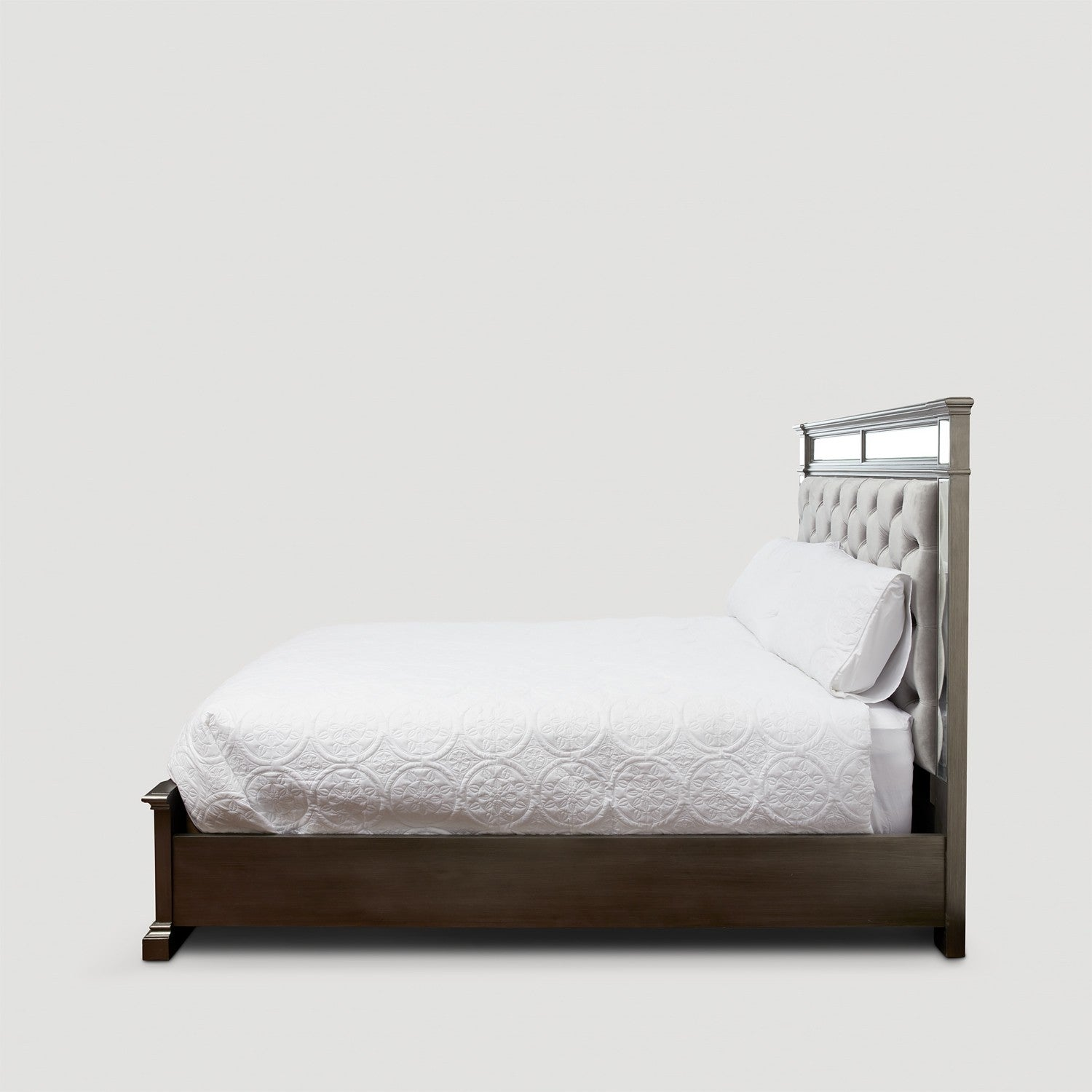 Solitude Queen Bed
