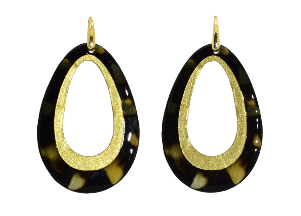 Horn drops with golden lining | Horn Oorbellen