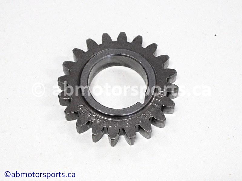 Used Arctic Cat ATV 650 H1 OEM part # 0811-003 drive gear for sale