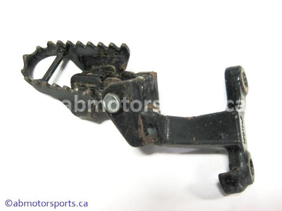 Used Suzuki Dirt Bike DR Z250 OEM part # 43510-14D11-019 right footrest for sale