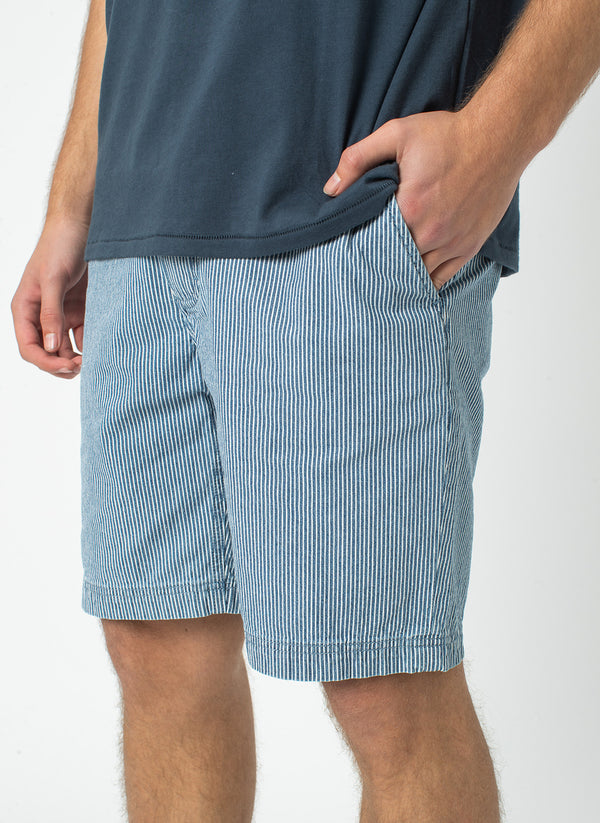 B.Relaxed Short Navy Stripe