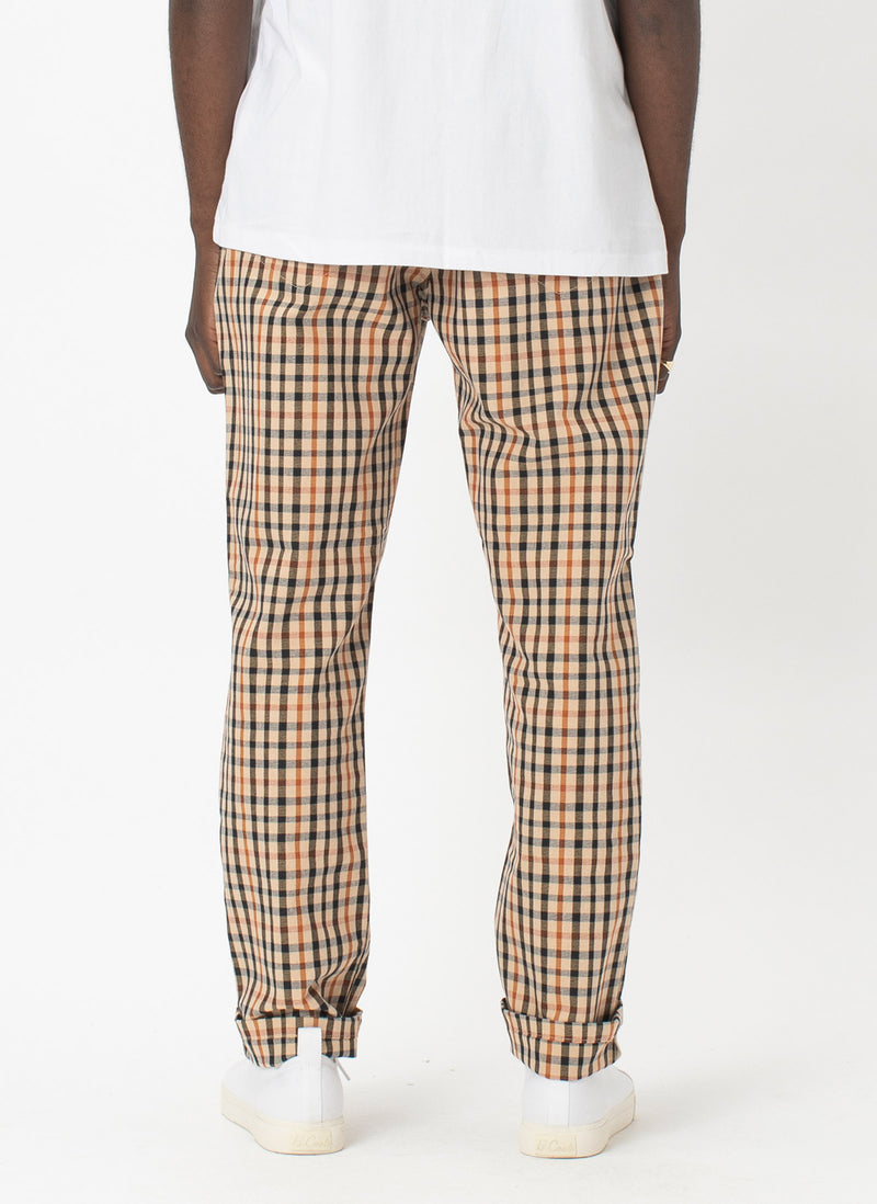 B.Relaxed Chino Beige Check