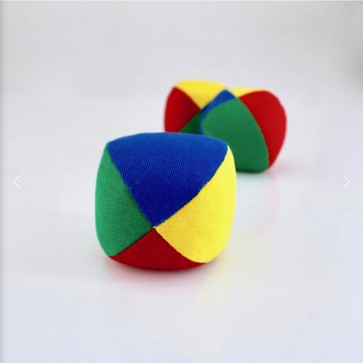 Cube juggling ball set