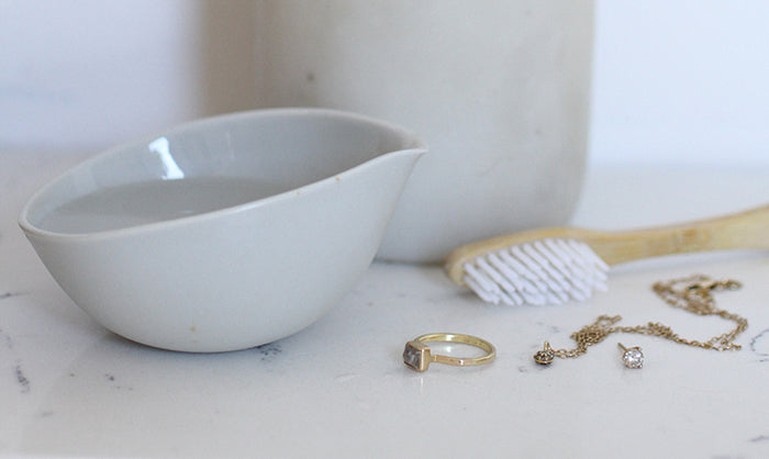 5 Ways To Clean Gold Jewelry