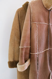 Manteau mi-long en mouton véritable