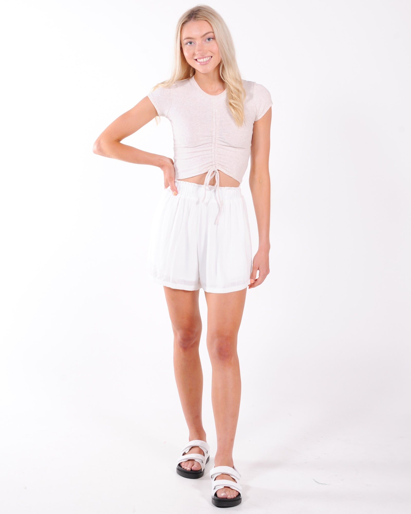 Weekend Mode Short - White