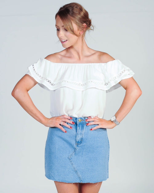 MATCH MAKER OFF SHOULDER TOP - WHITE