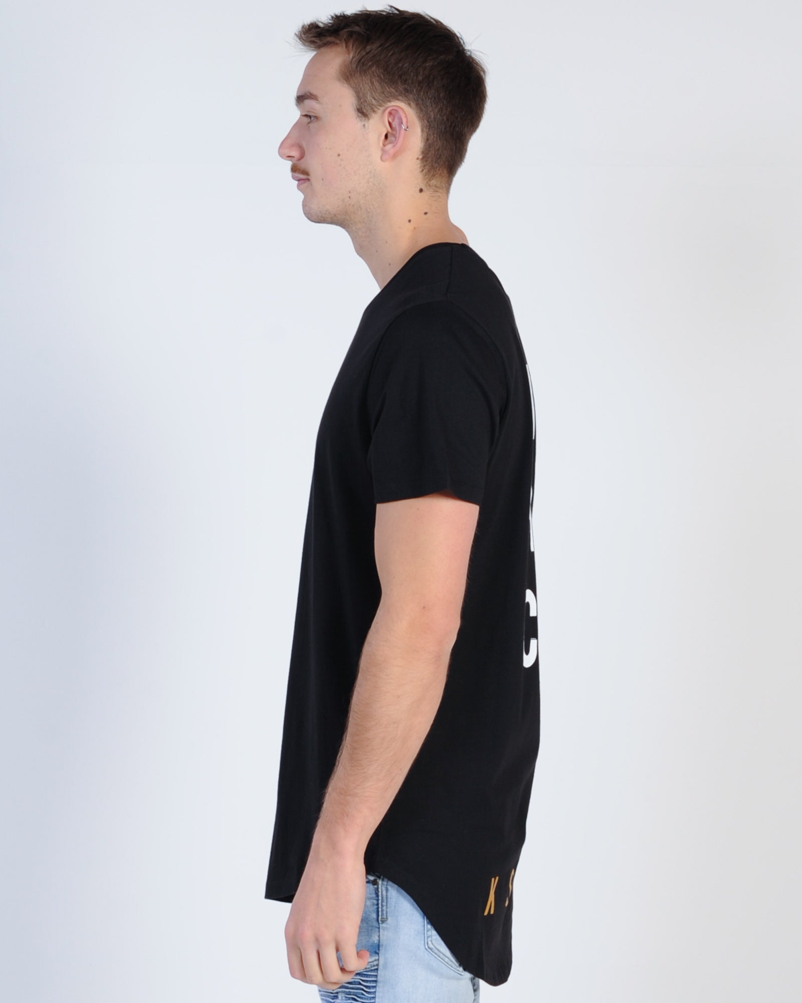 Kiss Chacey Chasing Scoop Tee - Jet Black