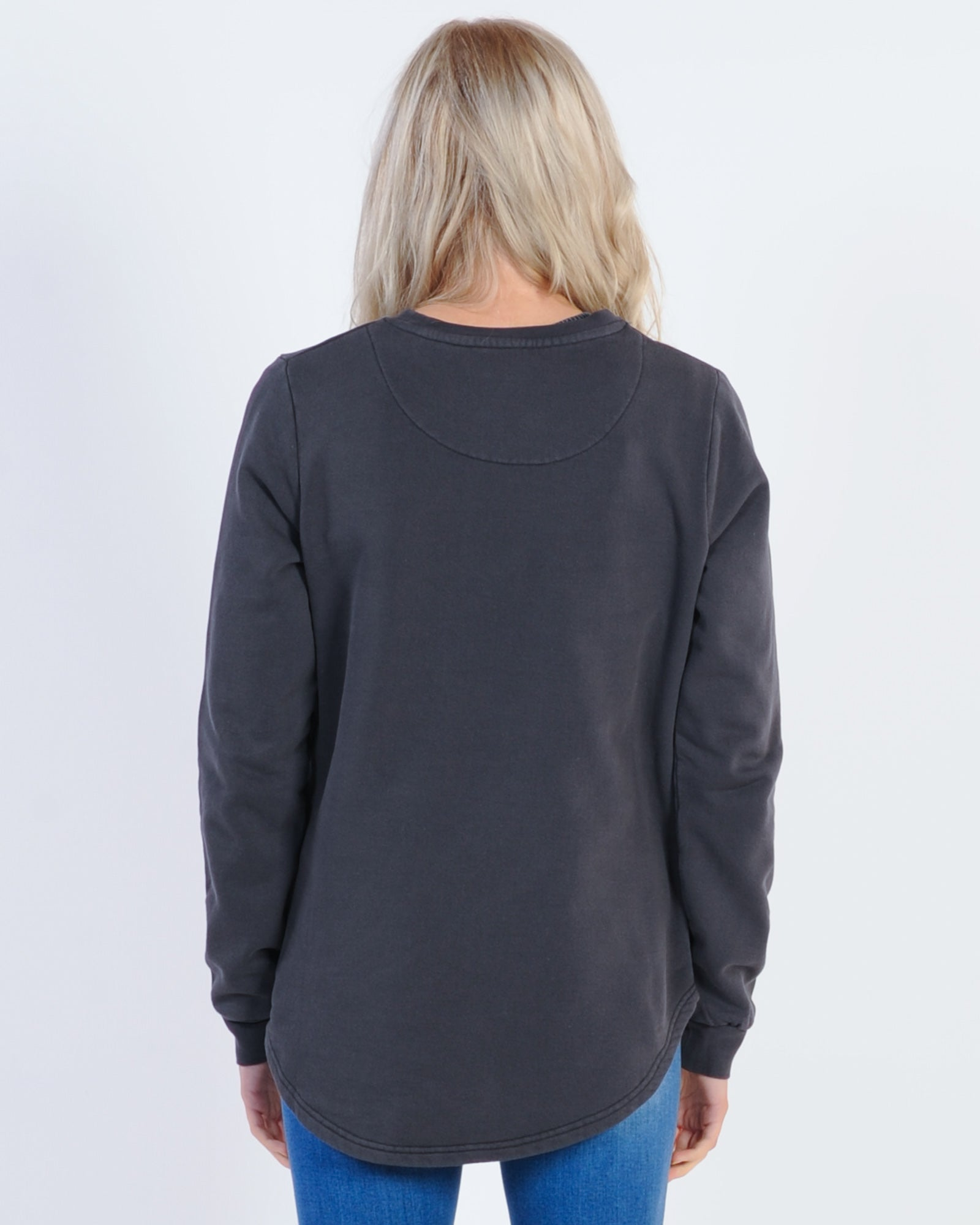 Silent Theory Classic Crew Sweat - Washed Black