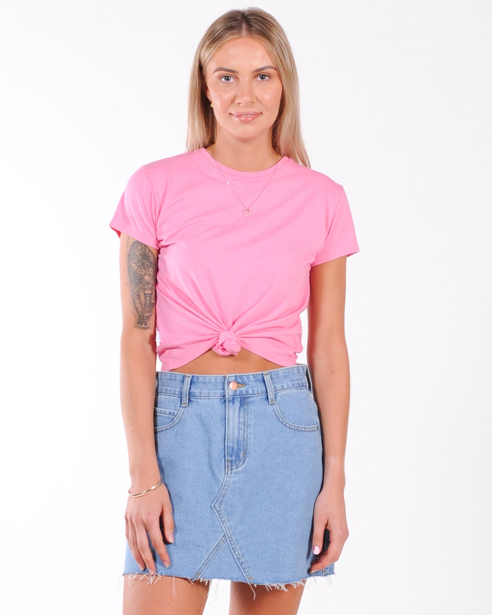 All About Eve Script Knotted Tee - Rose