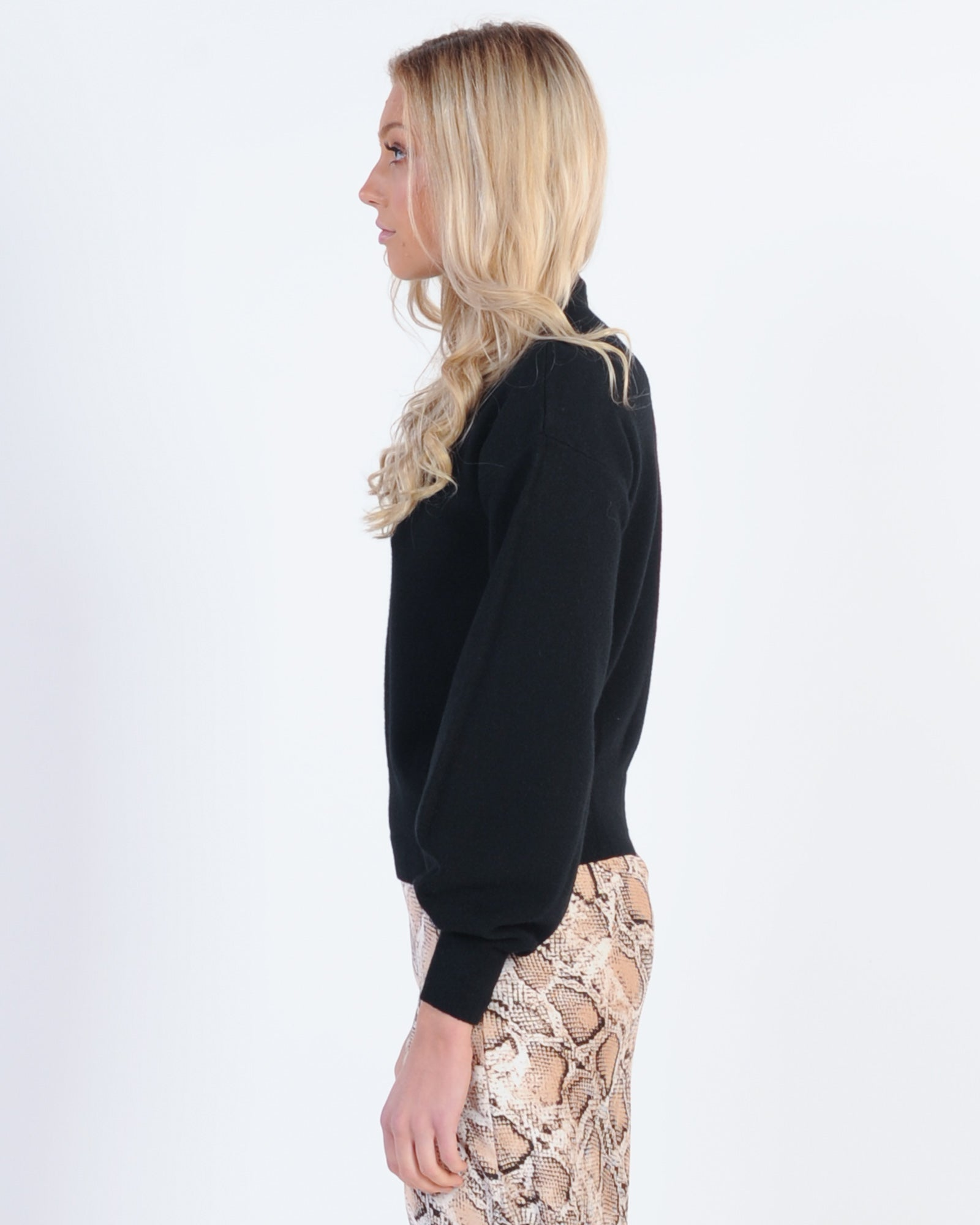 Wardrobe Must Have Knit - Black