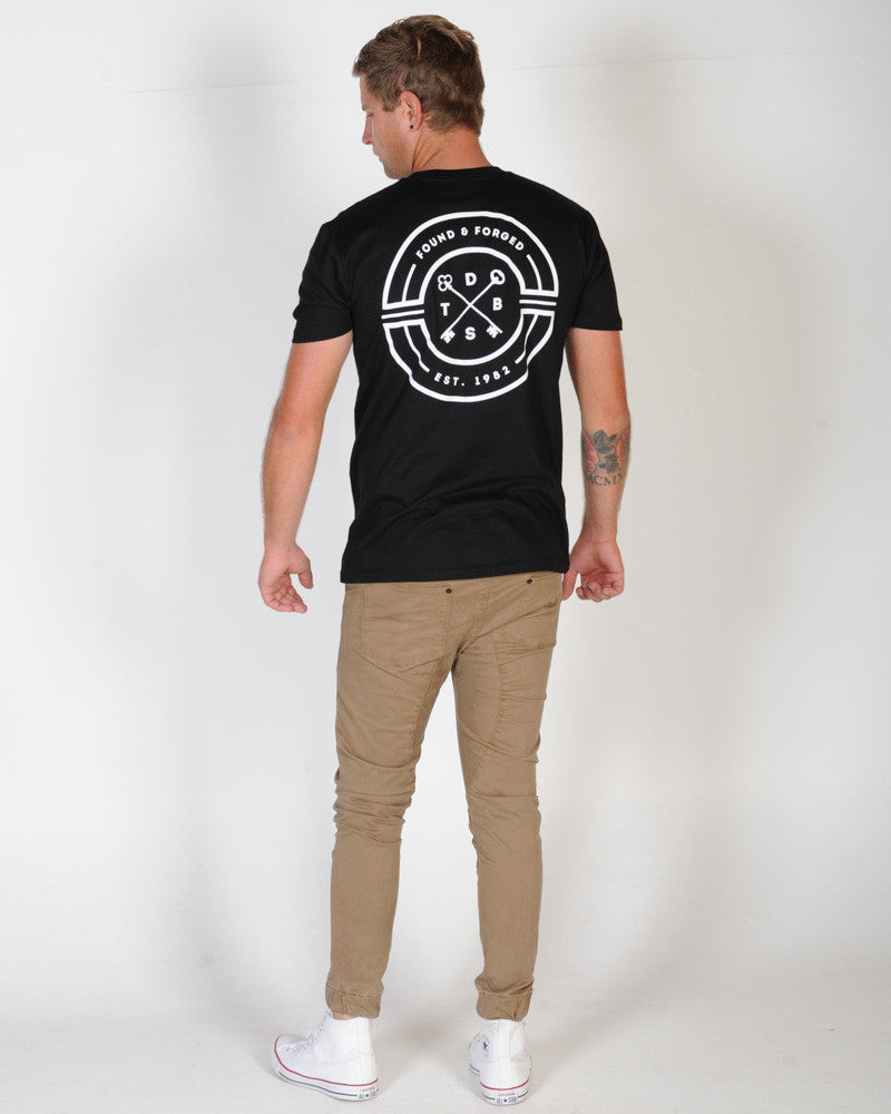 DTB SUPPLY CLASSIFIED TEE - BLACK