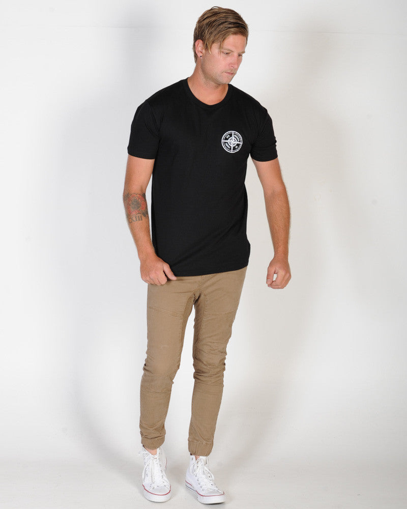 DTB SUPPLY SOUTHPORT TEE - BLACK