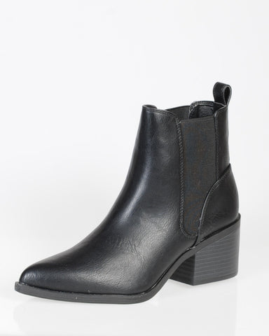LIPSTIK ARROW BOOT - BLACK