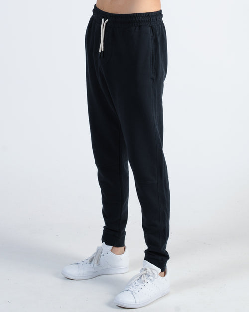 Academy Hunter Trackpant - Black