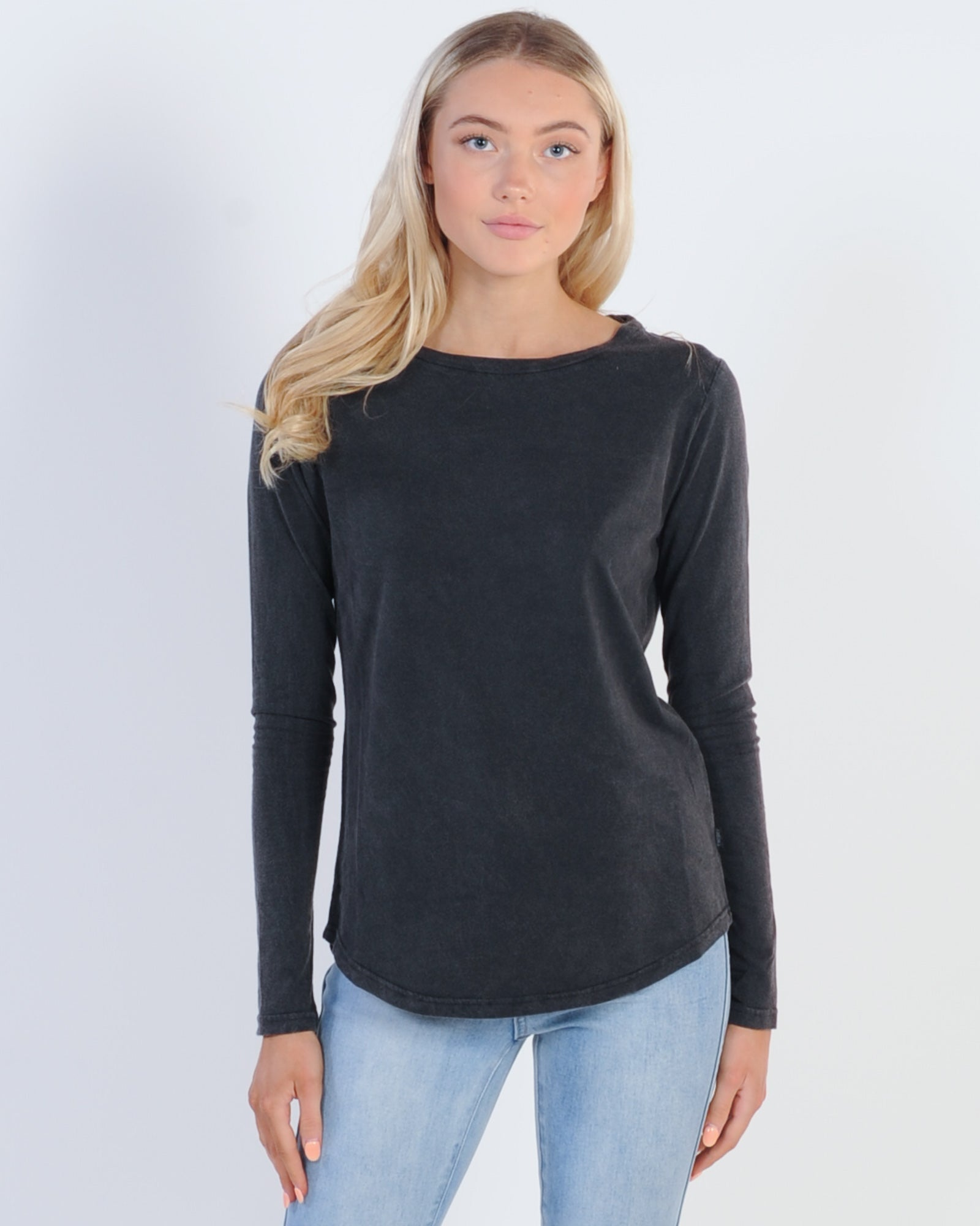 Silent Theory Kara L/S Tee - Washed Black