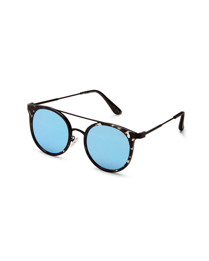 QUAY KANDY GRAM SUNNIES - BLACK TORT/BLUE MIRR