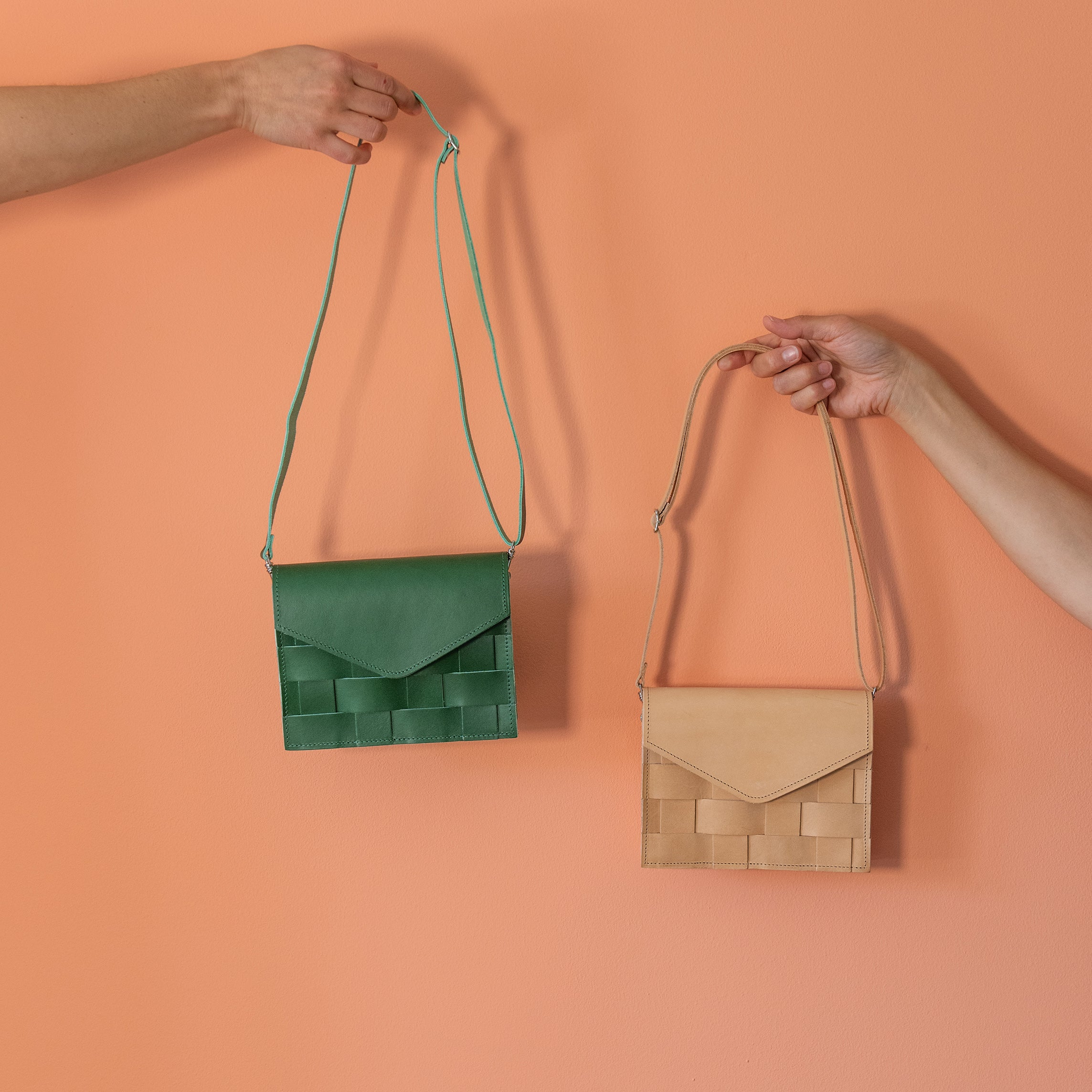 Näver Mini Leather Shoulder Bag | Green