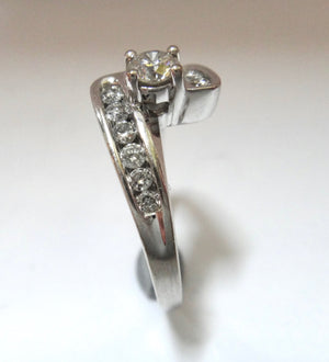 18CT White Gold & Brilliant Cut Diamond Offset Ring