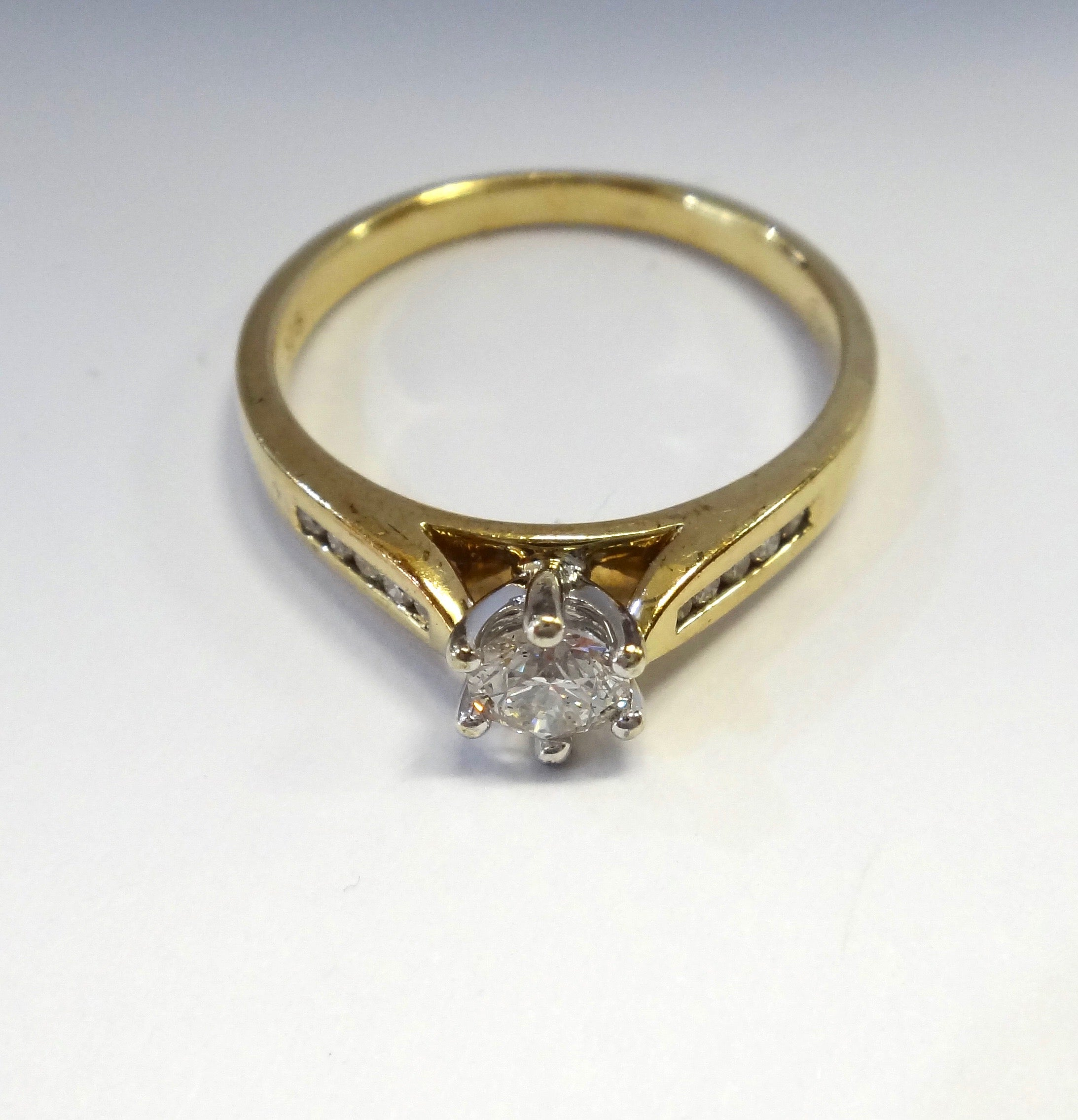9CT Yellow Gold & 1/4 Carat Diamond Solitaire Ring