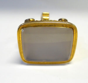 ANTIQUE 19th Century 15CT Yellow Gold & White Chealcedony Seal