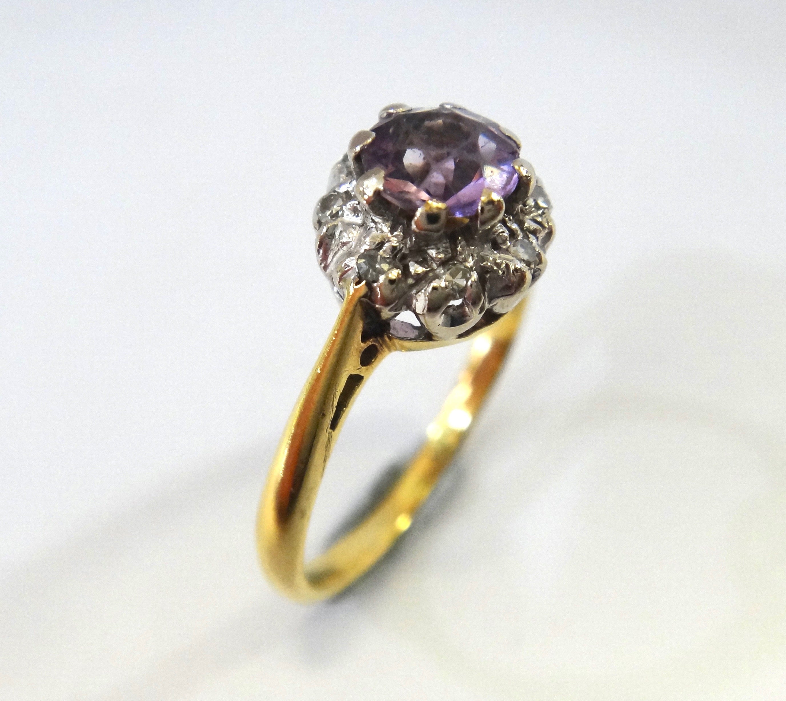 18CT Yellow Gold, Diamond & Pale Amethyst Ring