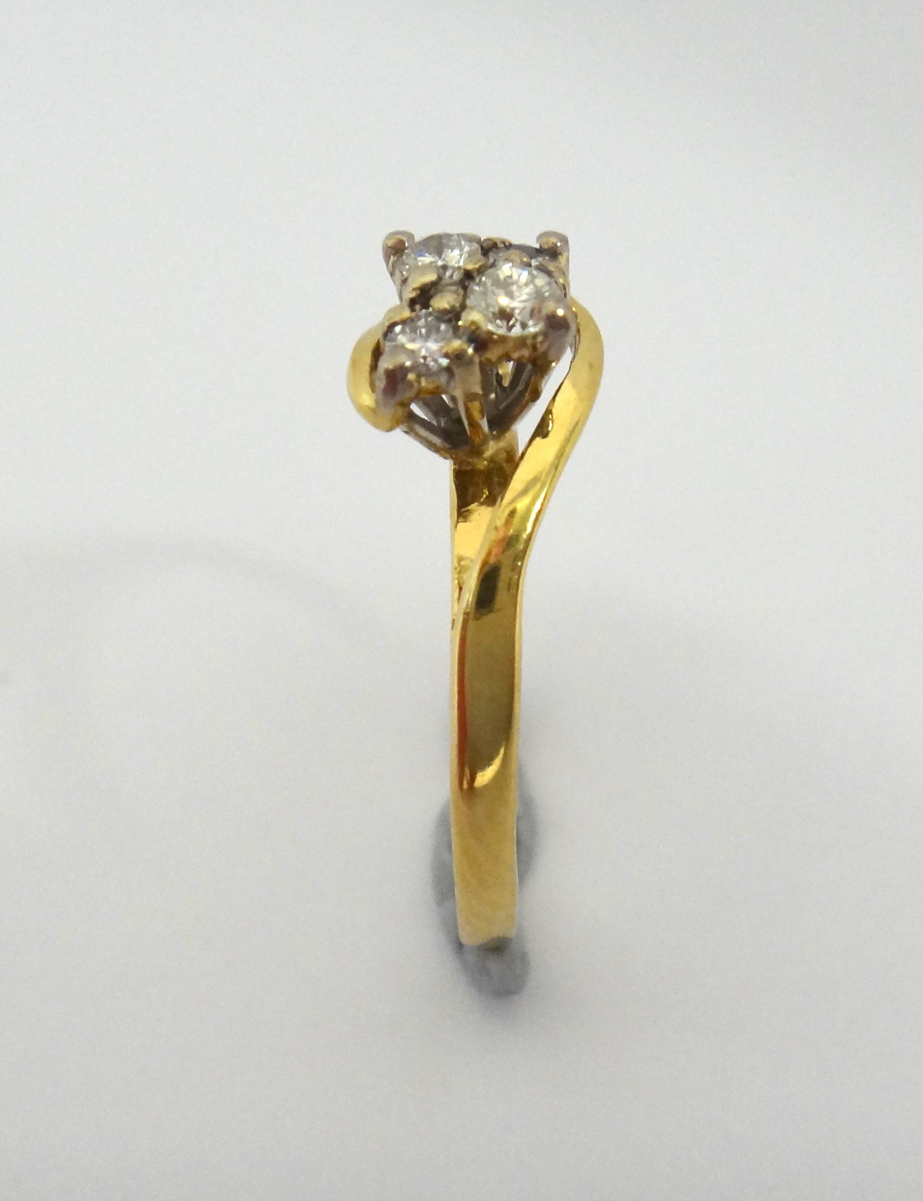 18CT Yellow GOLD & 4 Stone Diamond Ring
