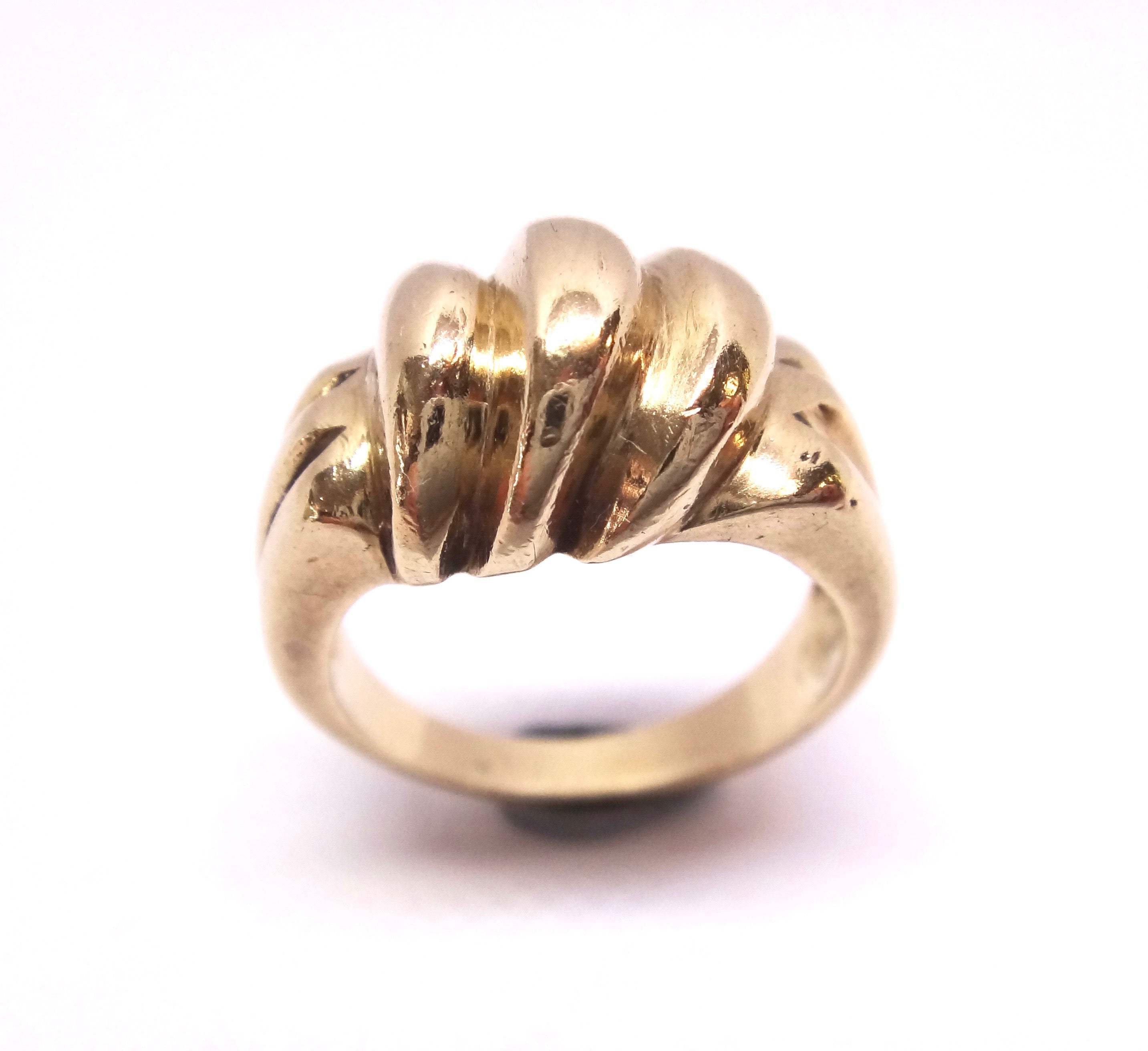 Heavy 9CT Yellow GOLD Swirl Patterned Ring
