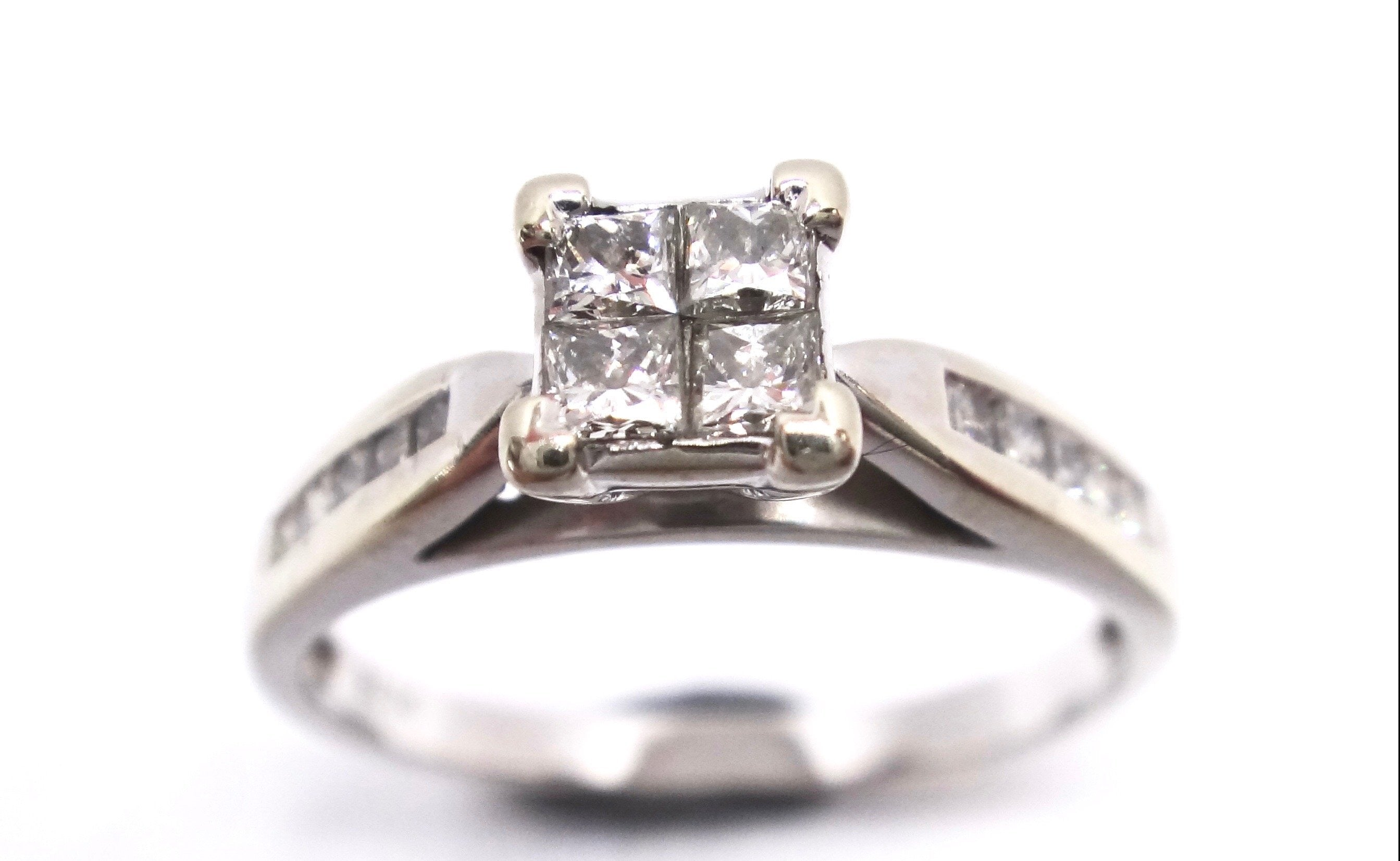 18CT White GOLD & Multi Princess Cut DIAMOND Ring