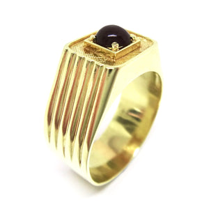 Mens 14CT Yellow GOLD & Cabochon Ruby Ring
