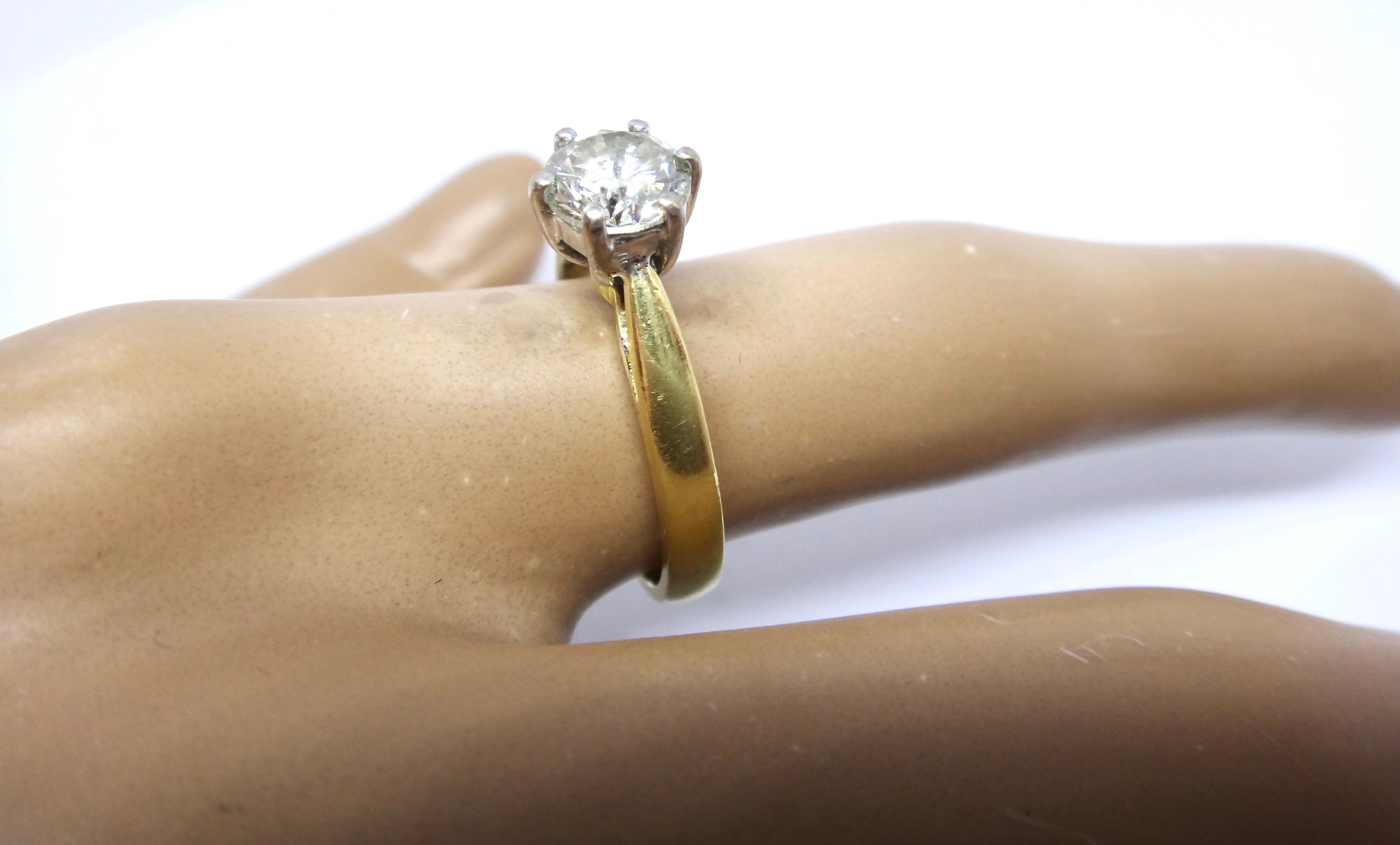 18CT Yellow GOLD, 1 Carat Brilliant Cut DIAMOND Solitaire Ring VAL $10,450