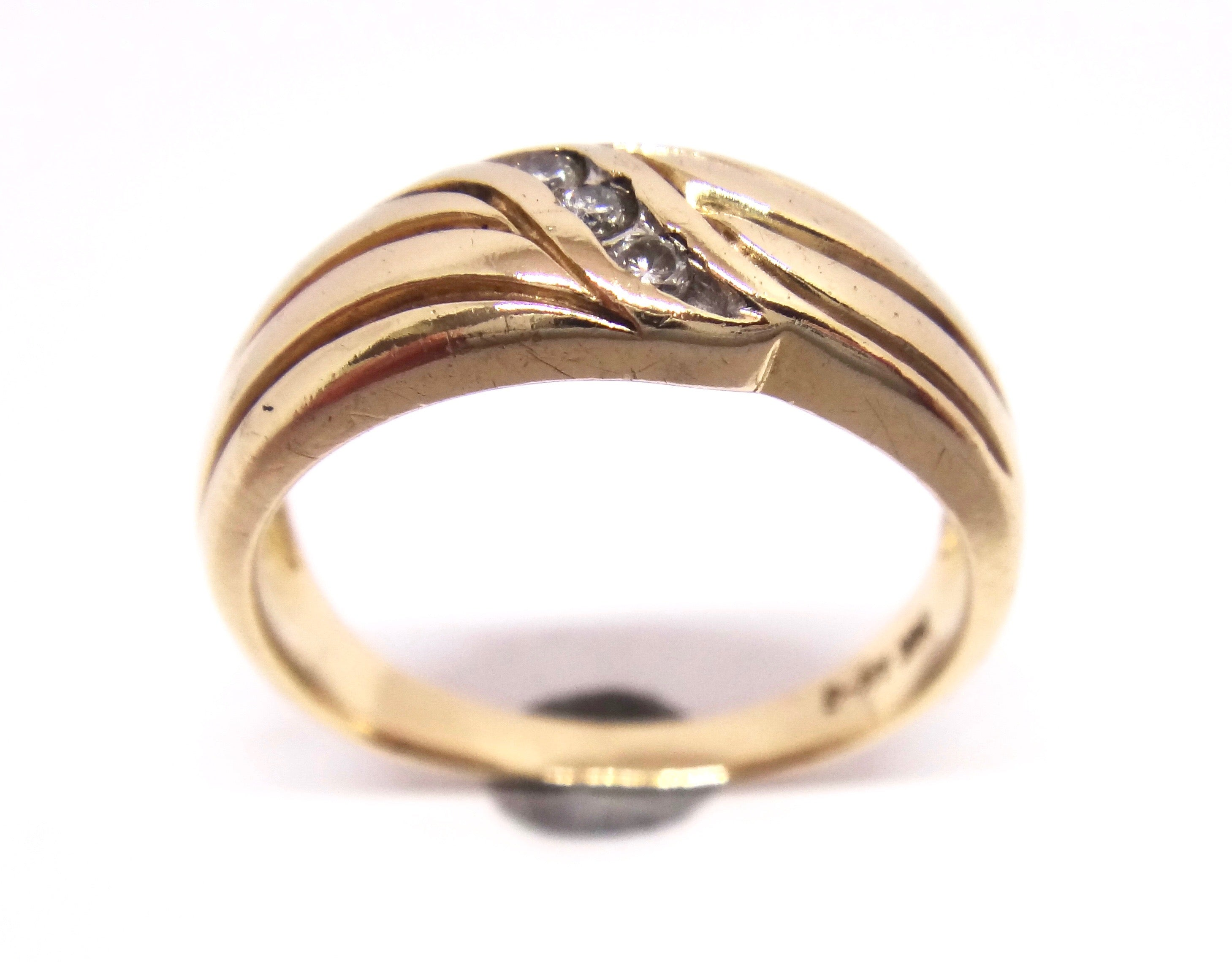 Mens 14CT Yellow GOLD & Brilliant Cut DIAMOND Ring
