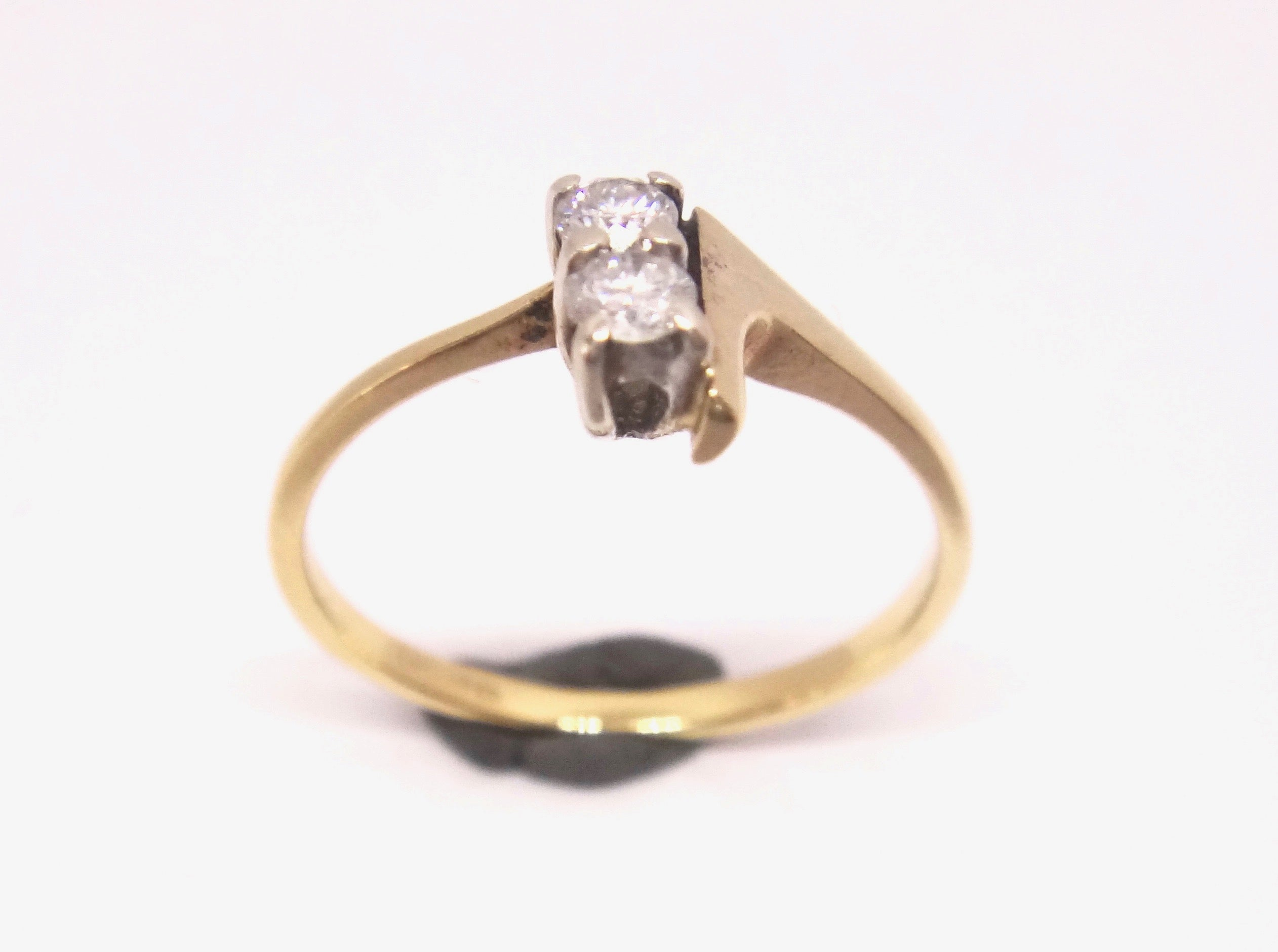 18CT Yellow GOLD & Two Stone Diamond Ring